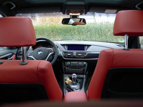 BMW_InnenansichtVonHinten